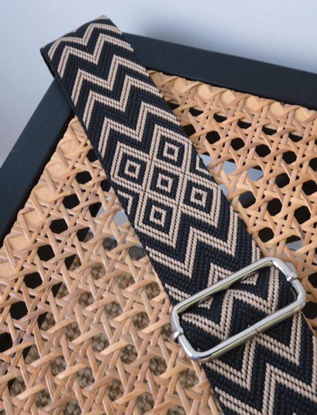 Bandoulière à motif zigzag noir et taupe