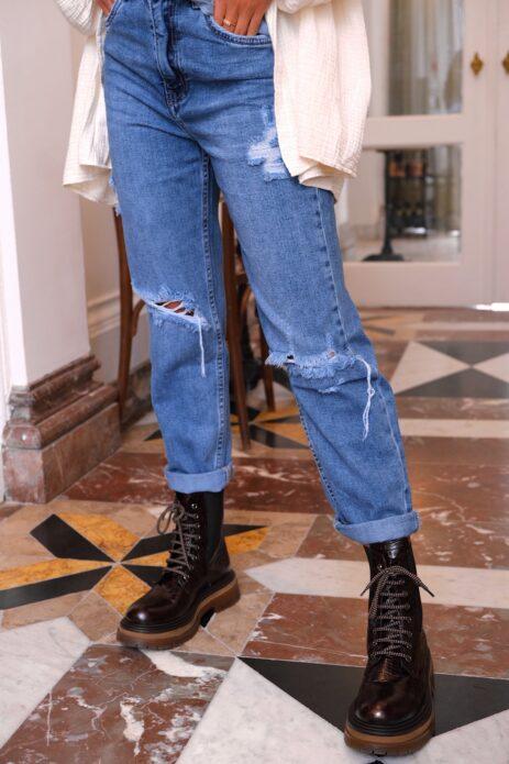 Jeans déchiré bleu droit avec boots